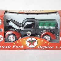 Collectible texaco diecast model 1940 ford old delivery pick up 1/32