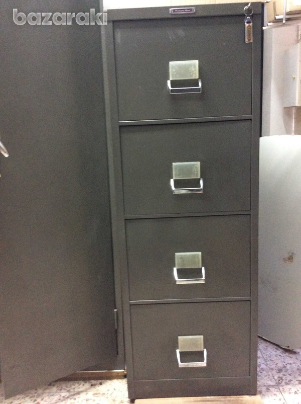 Strong build filing cabinet-4 drawers.