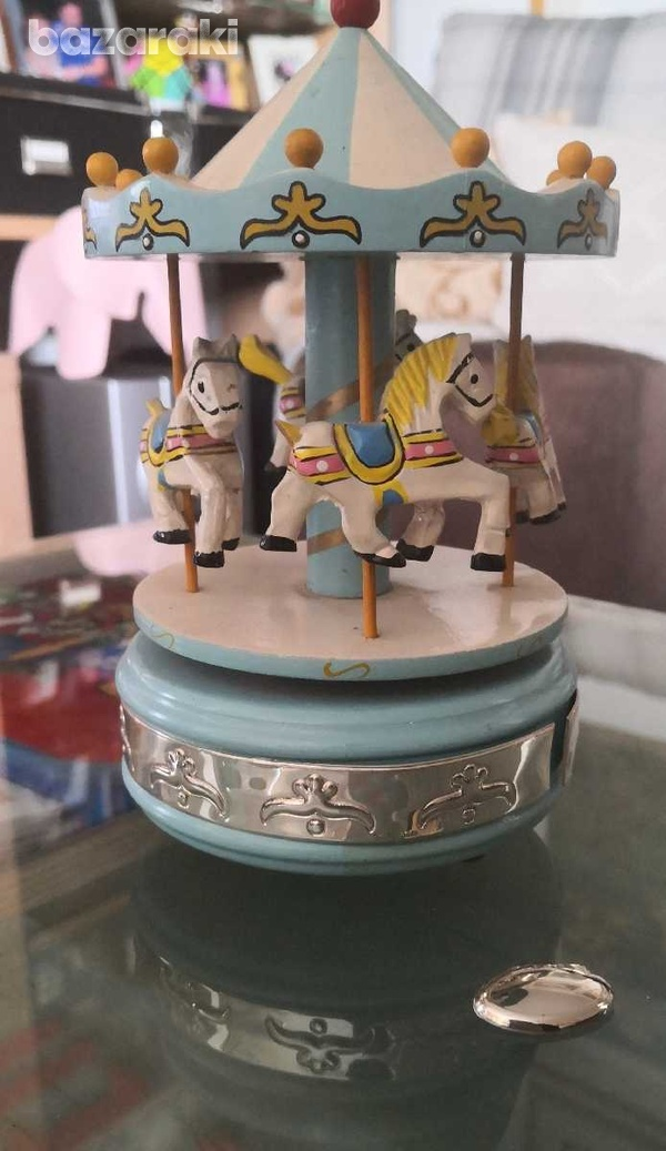 Wooden merry go round with music. it has silver 925 decoration-1