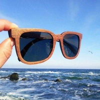 Style wooden sunglasses