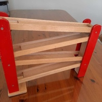 Wooden ramp toy for slot cars