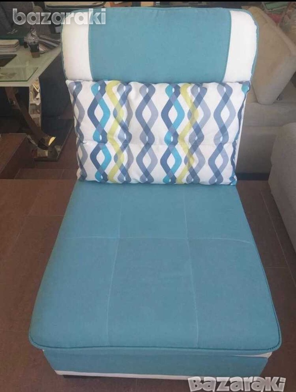 Italian single sofa in new condition with reclining pillow-4