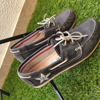 Leather topsiders / loafers