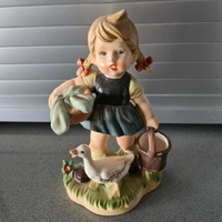 Figurine - girl