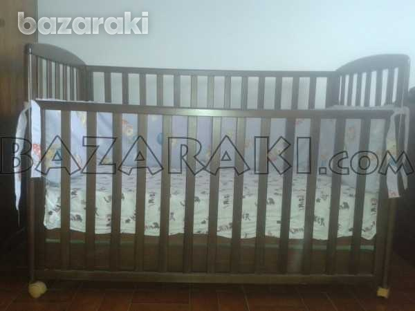 Wooden baby bed with mattress and bed bumper-3