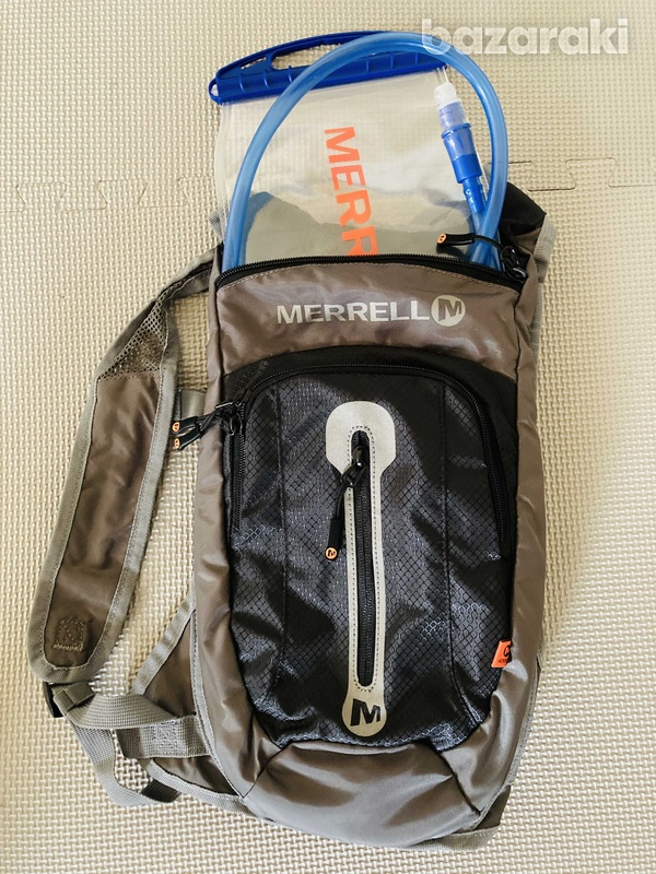 Merrell hydration backpack 2l brand new.