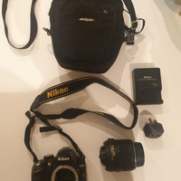 Nikkon d3200 with lense and case