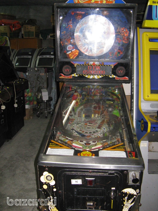 Williams hurricane pinball flipper machine-1