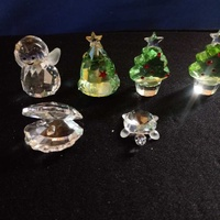 6 small collectable swarovskie crystal.4cm high.stamp swan.