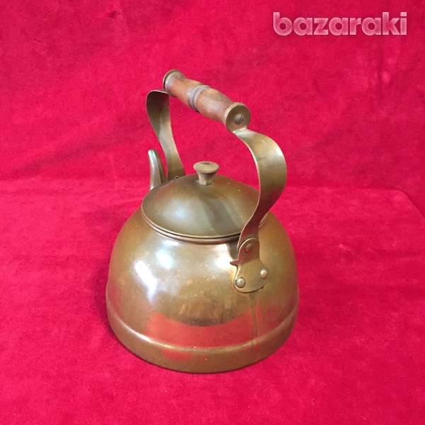 Vintage copper kettle with wooden handle.-4