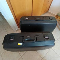 2 very good condition luggages