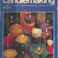 Be an expert in making colorful and aromatic candles