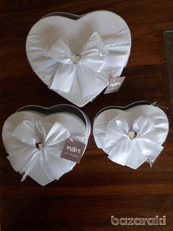 Brand new 3 fabulous white satin & lace boxes-7