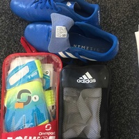 Football boots / shin pads / gloves