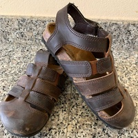 Bearpaw - leather sandals shoes- size 30
