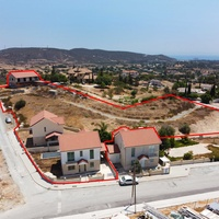 Incomplete houses & land in moni, limassol