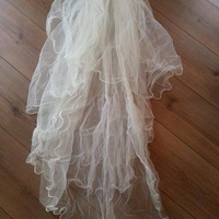 Ivory five-tier wedding veil with hair grip
