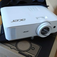 Acer h6800a 4k projector new
