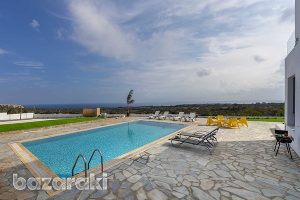 Stunning 3 bedroom villa with unobstructed sea views and title deeds-1