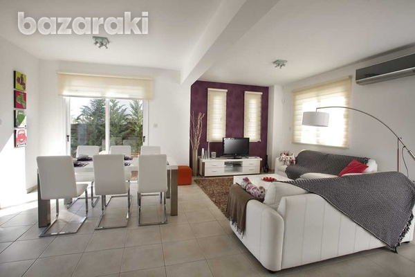 Wonderful, fully furnished villa close to the sea-5