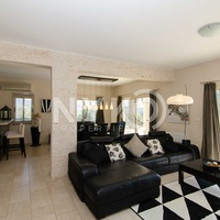 4 bedroom all en suite detached house with pool on a 2350 sqm plot