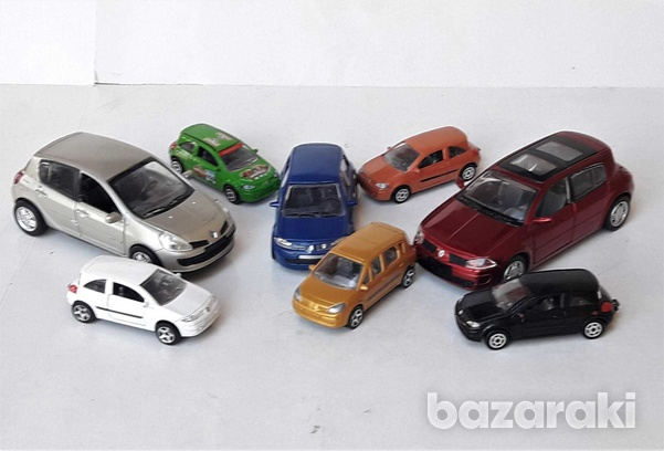 Collection of 8pcs renault diecast model cars in different scales-4