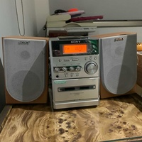 Sony fm/cassette/cd player in great conditio
