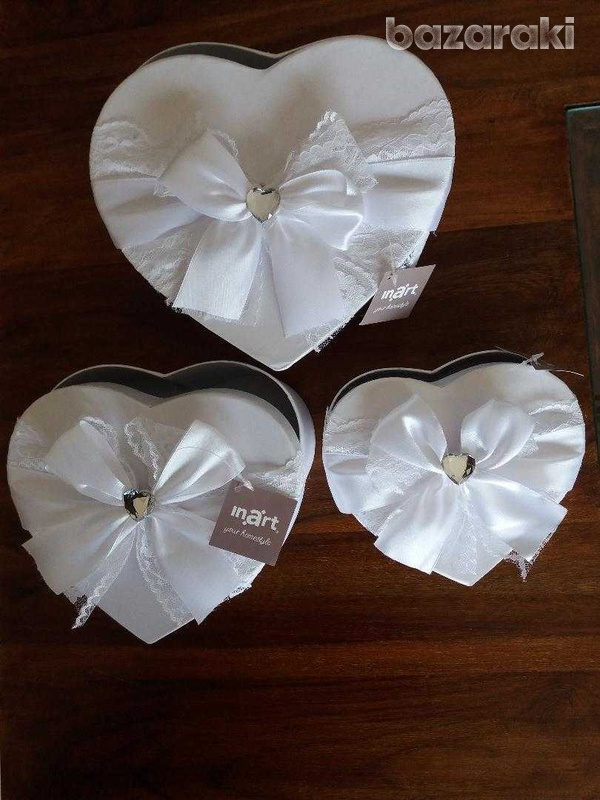 Brand new 3 fabulous white satin & lace boxes-2
