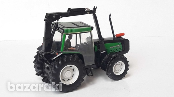 Vintage collectible rare britains 1997 macau diecast model tractor val-4