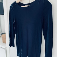 Dark blue warm top