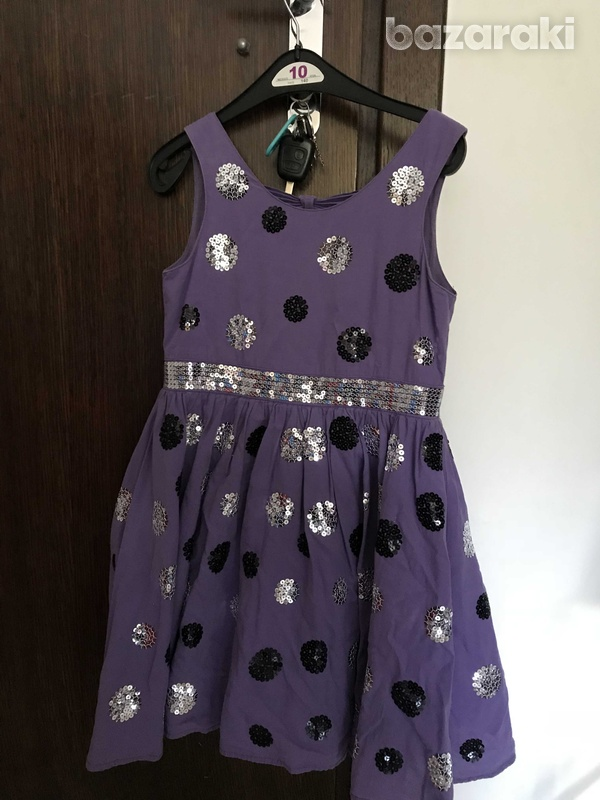 Dress for a girl 8-9 year old