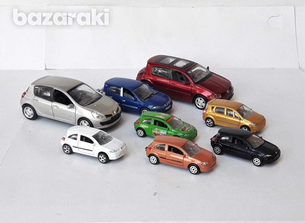 Collection of 8pcs renault diecast model cars in different scales-2