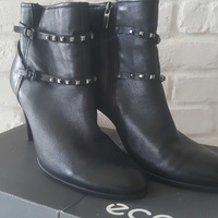 Beautiful boots ecco size 40 / new condition
