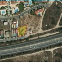 Residential plot 684 m2 in pareklisia