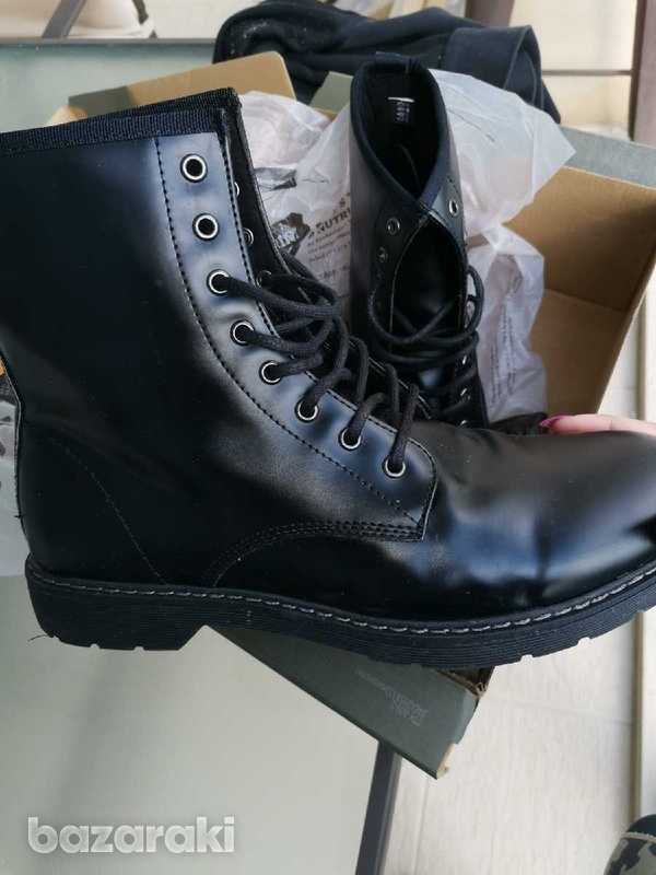 Timberland almost new black boots boxed-2