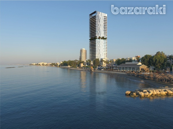 Rare luxurious 3 bedroom seafront apartment-10