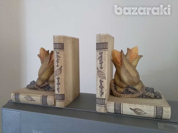 Book stoppers-1