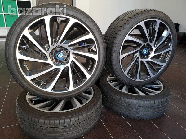Original bmw i8, 20 inch alloy wheels with tyres-2