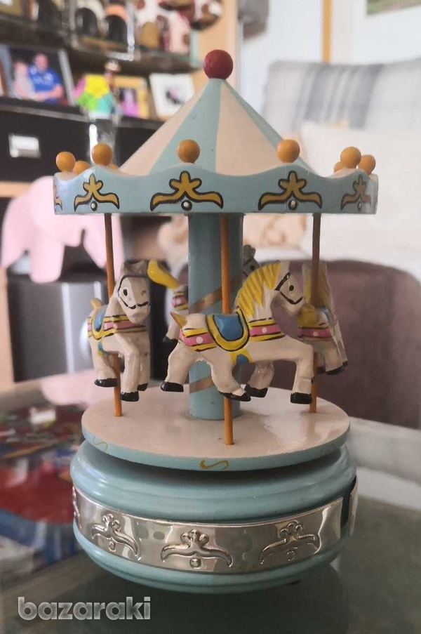 Wooden merry go round with music. it has silver 925 decoration-2