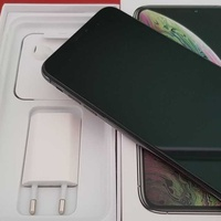Apple iphone xs max 64gb space grey with accessories