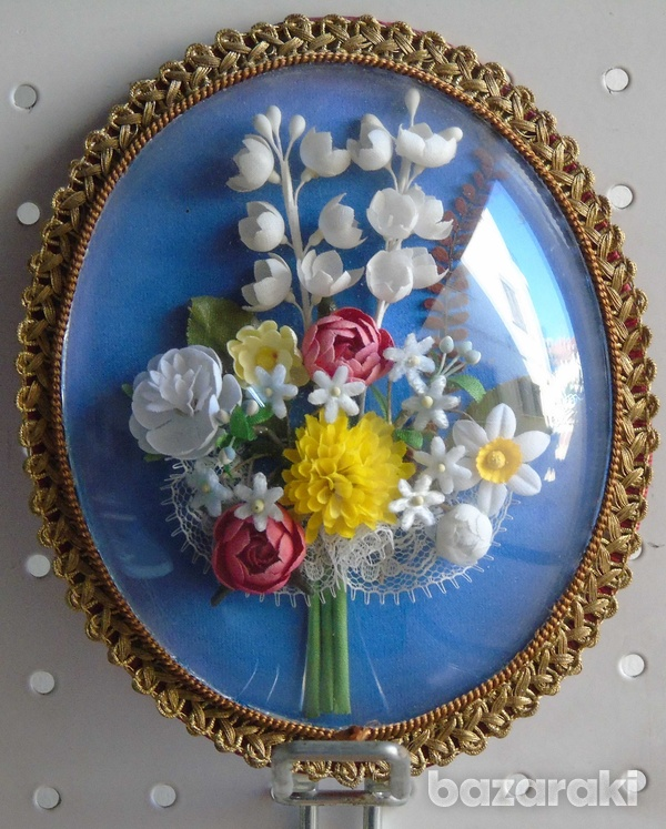 Flowers mounted on a plate