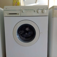 Westinghouse washing machine 6kg in excellent condition like new.