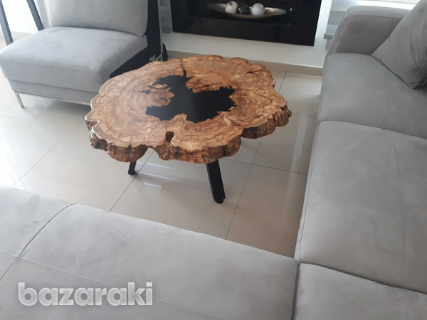 Coffee table with olive wood and dark epoxy-2