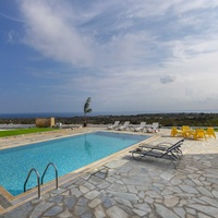 Stunning 3 bedroom villa with unobstructed sea views and title deeds