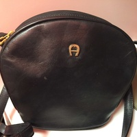 Agnis black leather hand bag