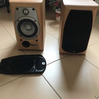 Infinity alpha bookshelf speakers