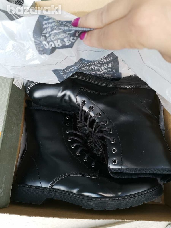 Timberland almost new black boots boxed-1