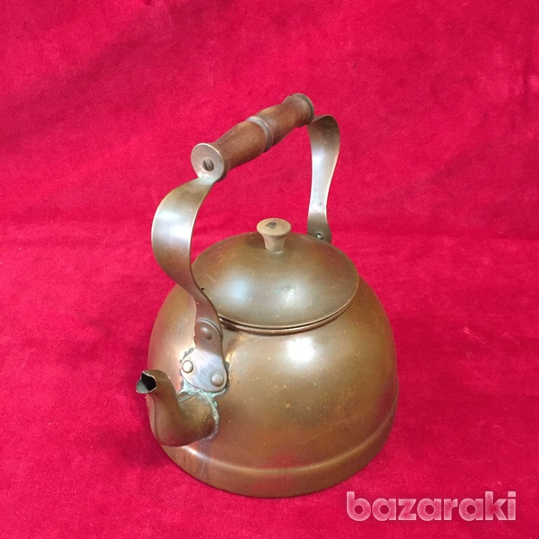 Vintage copper kettle with wooden handle.-6