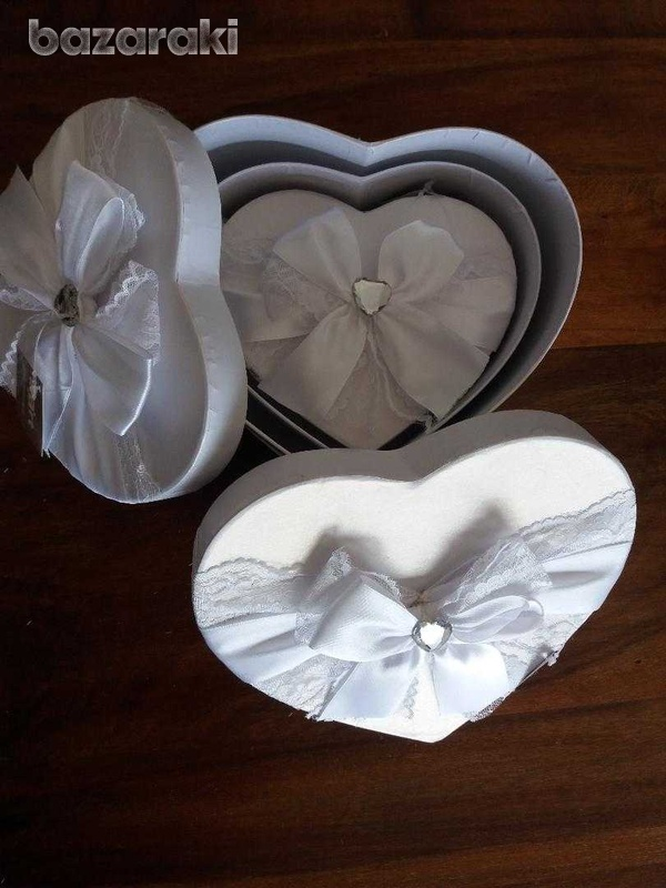 Brand new 3 fabulous white satin & lace boxes-5