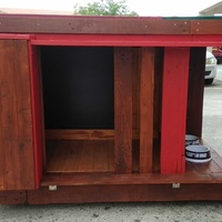 Our new pallet dog house for small to extra large dog